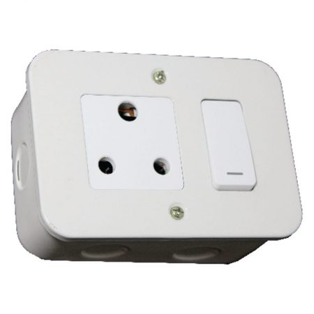 Switched Single 16A RSA Socket Outlet 1